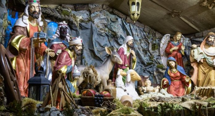 Toruń: Palili marihuanę w szopce bożonarodzeniowej
